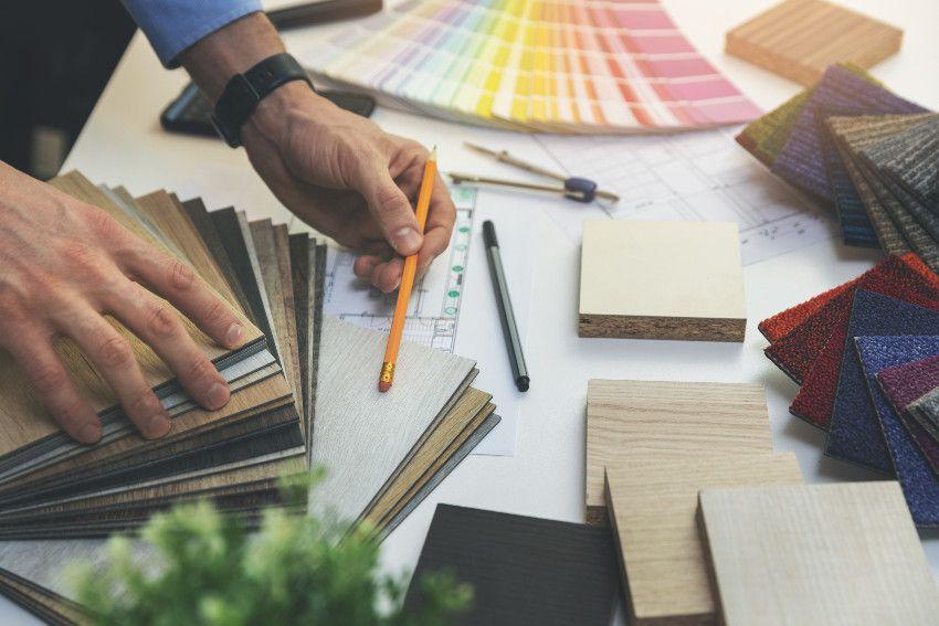 Drewno, płytki czy panele podłogowe – co wybrać?